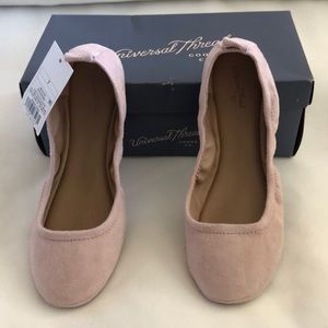 NWT Blush pink suede flats
